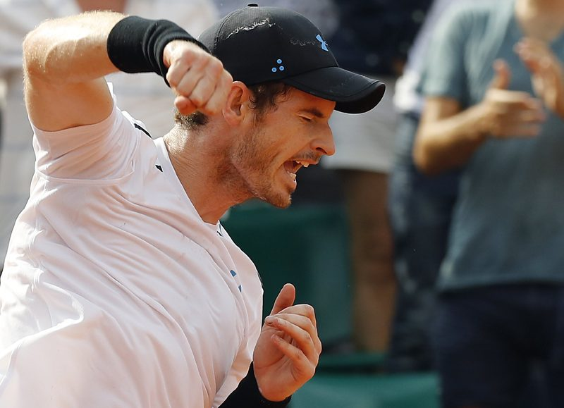 Andy Murray progresses to second round of French Open